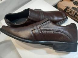 Sapato novo 39 e 44 Couro Legítimo Aceito cartão