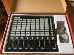 Controladora MIDI AKAI APC MINI