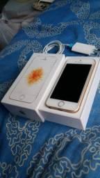 Vend/troc iphone SE 32gb completo estado de novo