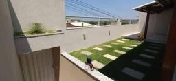 G - Casa linear com 3 quartos em rua tranquila (Impecável)
