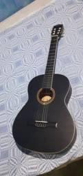 Vendo violão semi-novo,sem marcas pouco tempo de uso  .aceito proposta no valor.