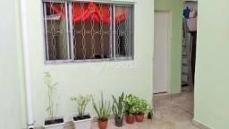 Casa térrea de 3 dormitórios, uma suite 2 vagas de garagem à venda no Bairro de Vila Cleme