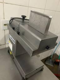 Máquina de amaciar bife