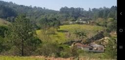 Sitio 22.000 metros com 2 Casas e córrego