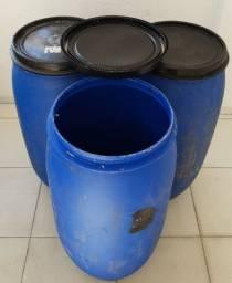 25 Tambores Plásticos de 180 litros R$ 2.700,00