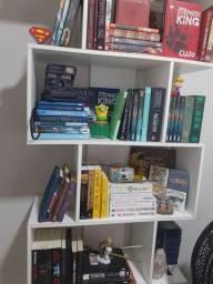 Vendo livros (títulos na descrição)