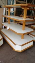 Gondola central de madeira semi nova