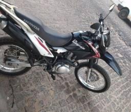 VENDO MOTO HONDA BROS 125