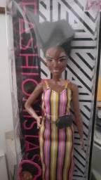 Conjunto de Barbies e Kens  negros