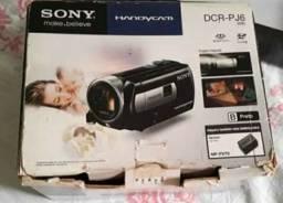 Câmera de vídeo digital com projetor integrado