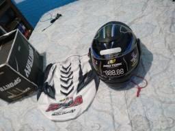 Vendo capacete articulado novo na caixa