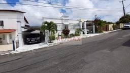 Casa cond Vilas do Bosque- 6 quartos sendo 3 suítes, 540 m² por R$ 1.600.000 - Lauro de Fr