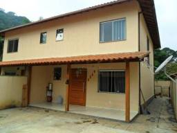 Casa à venda, 130 m² por R$ 390.000,00 - Albuquerque - Teresópolis/RJ