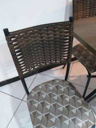 Mesa 4 cadeiras de paninha cozinha ou sala semi nova