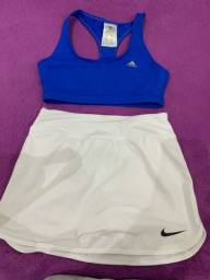 Top adidas e Shorts-saia Nike