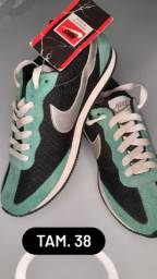 Tênis Nike Daybreak