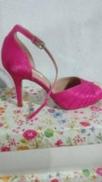 Sapatos Altos novos