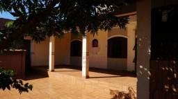 Casa com 1 dormitório para alugar, 65 m² por R$ 800,00/mês - Jardim São Silvestre - Maring