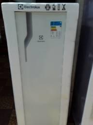 Geladeira Electrolux RE31