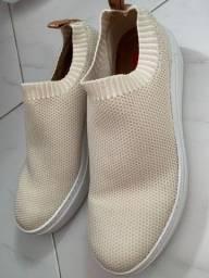 Vendo sapato estilo tênis novo da AREZZO!!