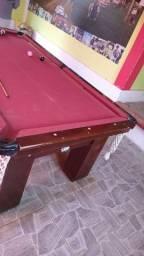 Mesa de sinuca com mesa de pimbolim