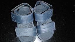 Vendo sandalha para criança