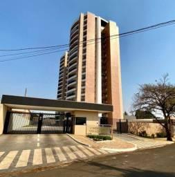 Apartamento com 3 dormitórios à venda, 213 m²