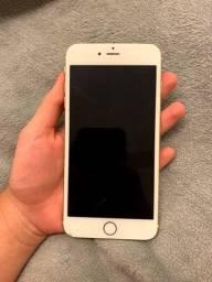 Iphone 6 plus dourado com marcas de uso e acessórios. Capacidade de 128GB.