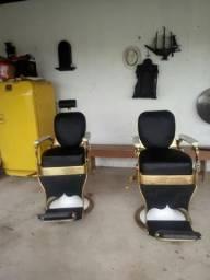Vendo duas cadeiras de barbeiro antiga toas as duas idralica as duas por 5999