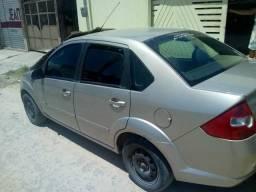 Fiesta sedan 1.6 flex completo - 2006