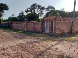 Terreno com uma contruçao bem adiantada localizada em Salvaterra