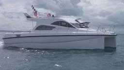 Catamarã a motor - 2019
