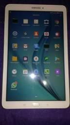 Vendo Tablet Samsung c/ Telefone