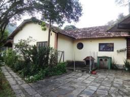 Propriedade com 03 casas em Itaipava Petrópolis/RJ