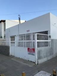 Aluga-se casa na área hospitalar e jurídica central de Petrolina
