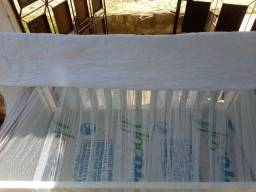 Berço  novo colchão no plástico