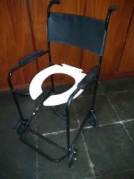 Cadeira de banho semi nova