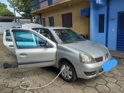 Vendo Renault Clio 2006,quilometragem 86.000