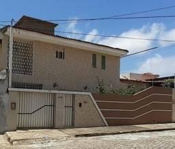 Casa no barro vermelho próximo da Jaguararicom 3\4 sendo 2 suítes