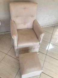 Vendo Cadeira de amamentação brinde puf