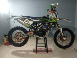 Moto de trilha MXF 250 rxi