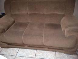 Conjunto sofá de 3 e 2 lugares.