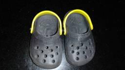 Vendo sandalha de crianças