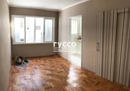 Kitnet, 22m² privativos, reformado, cozinha com balcão em granito e fogão cooktop, torneir