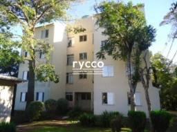 Apartamento de 02 dormitórios no bairro Agronomia, semimobilhado.