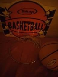 Vendo cesta de basquete + a bola.. ? 120 reias