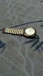 Relógio Mondaine dourado novo na caixa