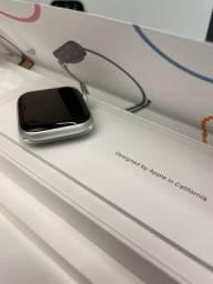 Apple Watch SE 44mm Silver Aluminium