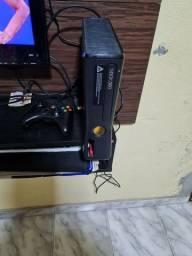 Xbox 360 destravado e com vários jogos