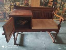 Vendo mesa com cadeira antiga